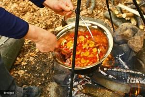 supa din piatra - mancare la ceaun-1